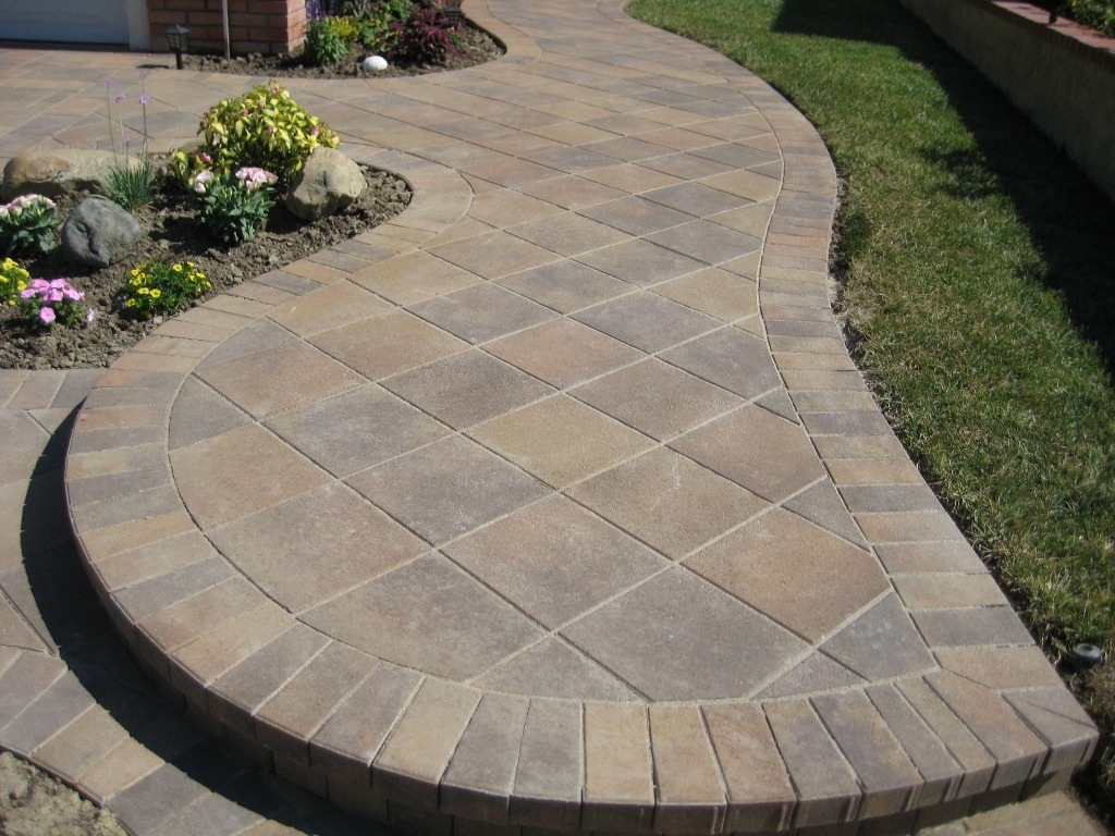 Good 45 Degree Laying Pattern (Paver Design Ideas)
