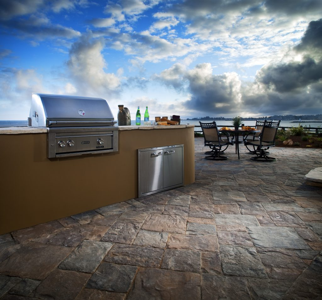 price of outdoor kitchen