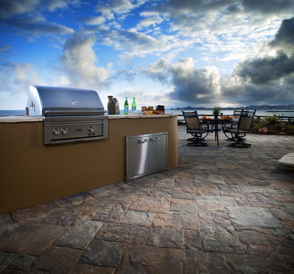 price of outdoor kitchen