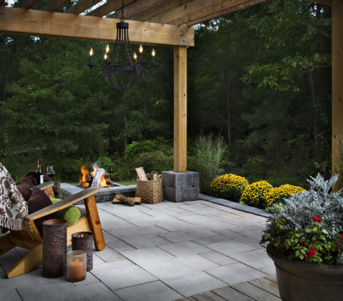 Laying Pavers Over Dirt: Outdoor Slate Tile Flooring Tips