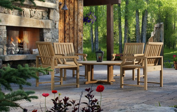 How to clean wood patio furniture