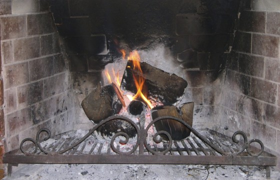 What to install: Fire Pit or Fireplace
