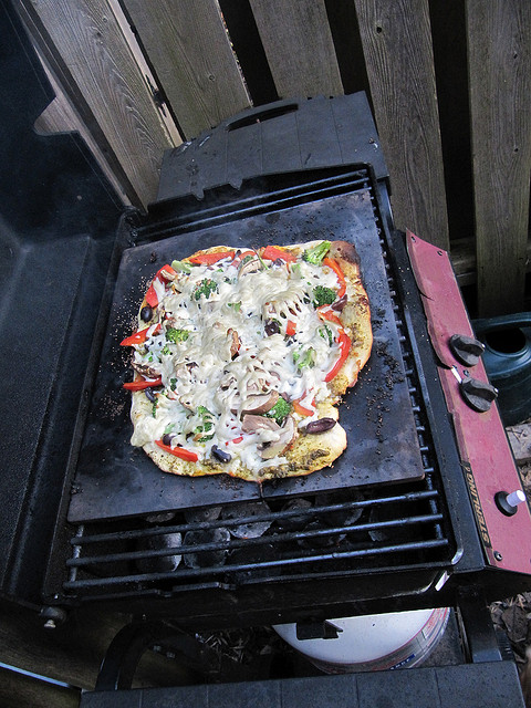 grilling tools pizza stone
