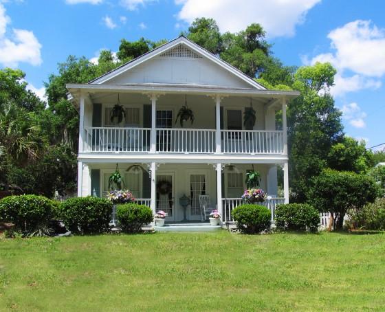How Porches Are Making a Comeback