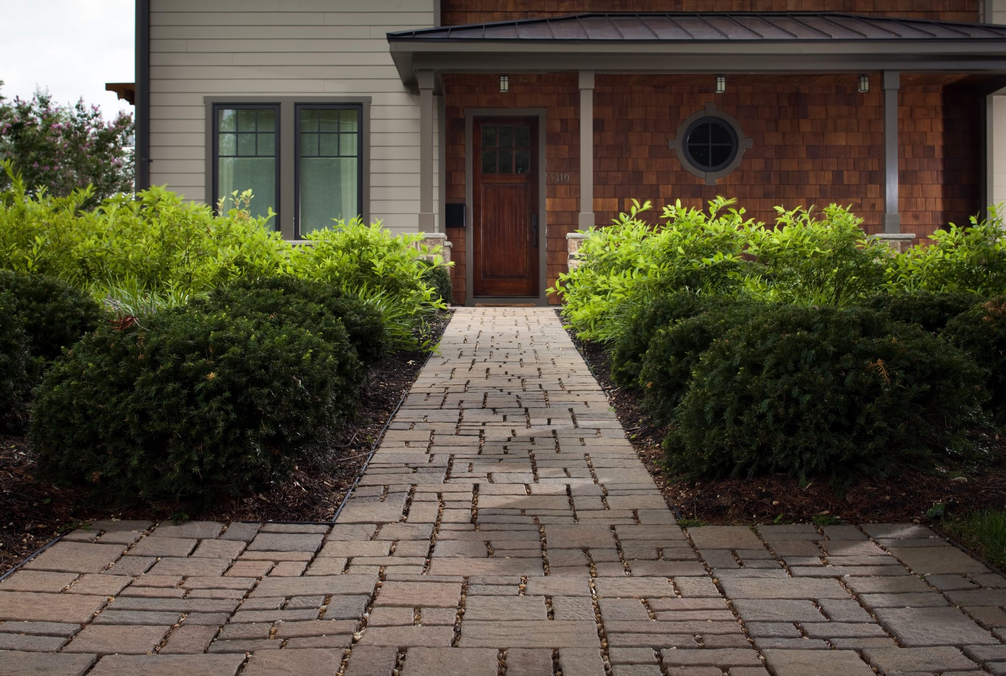 How to Install a Cobblestone Walkway  howtos  DIY