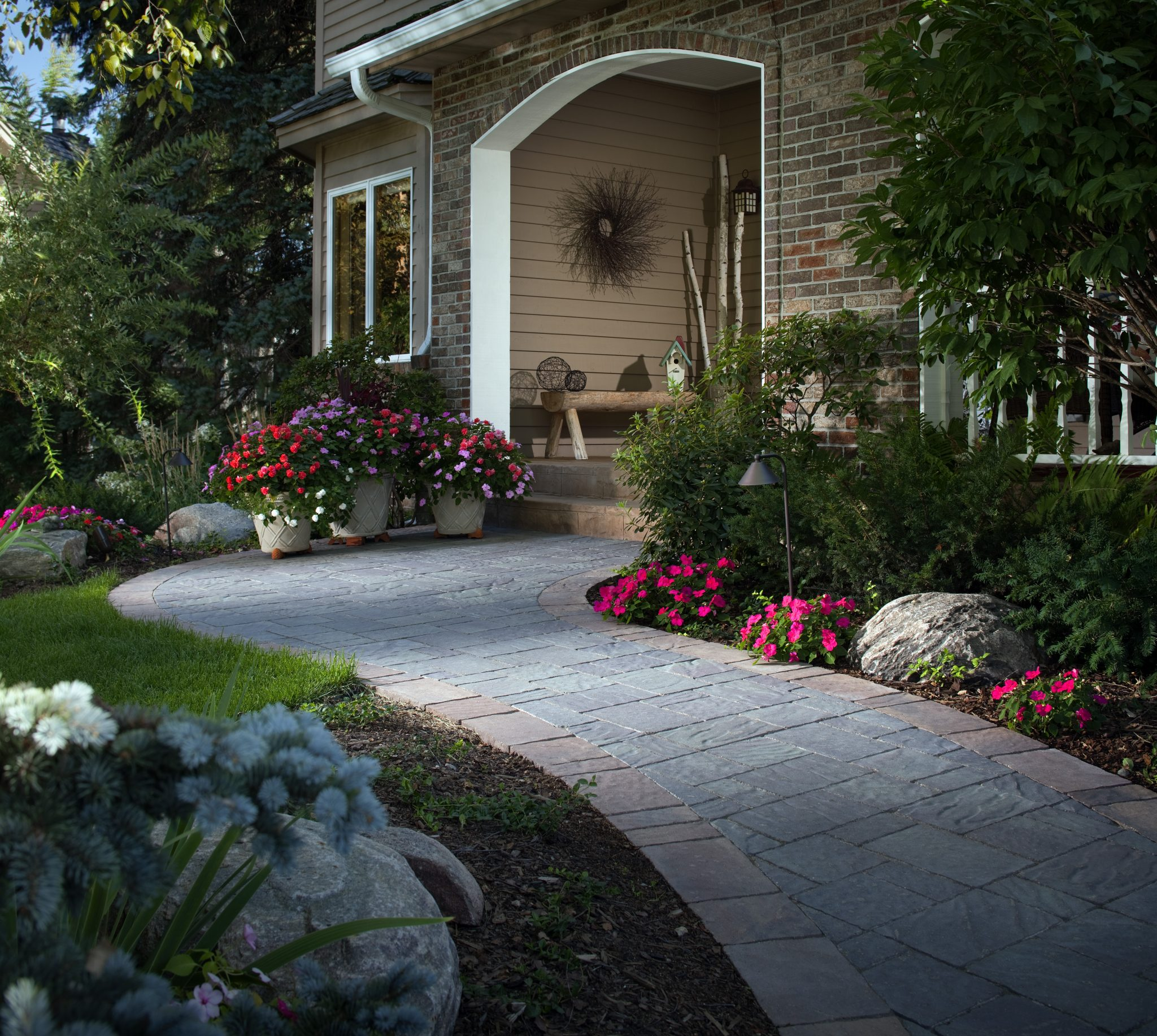 Concrete Front Yard Landscaping: Stone Pathways: Stepping Stone Walkway Ideas + Designs