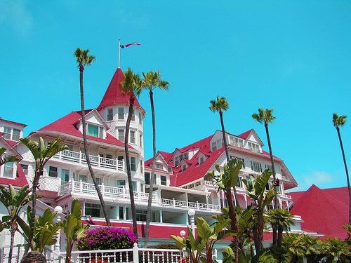 Palm trees in front of Hotel Del Coronado
