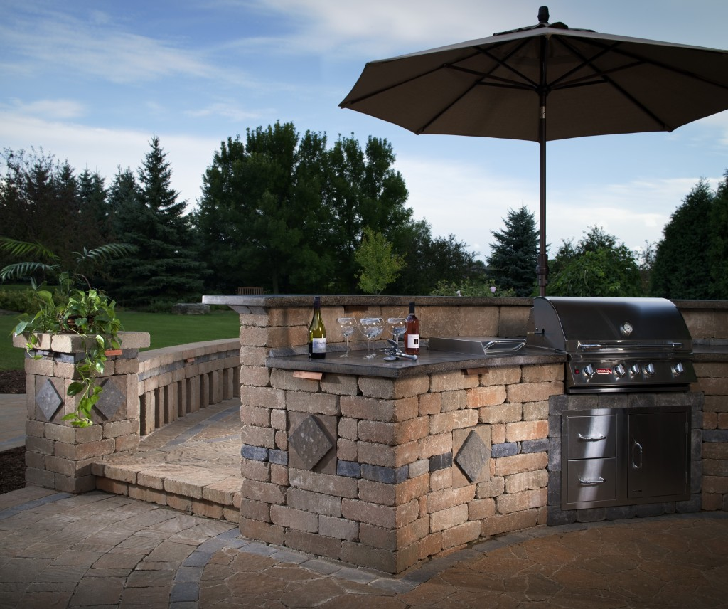 Amazing Outdoor Kitchens That You Might Have While Living: Outdoor Kitchen Cost: Ultimate Pricing Guide
