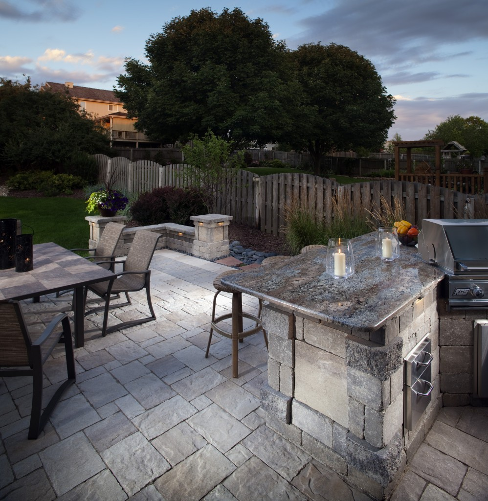 cost to build an outdoor kitchen