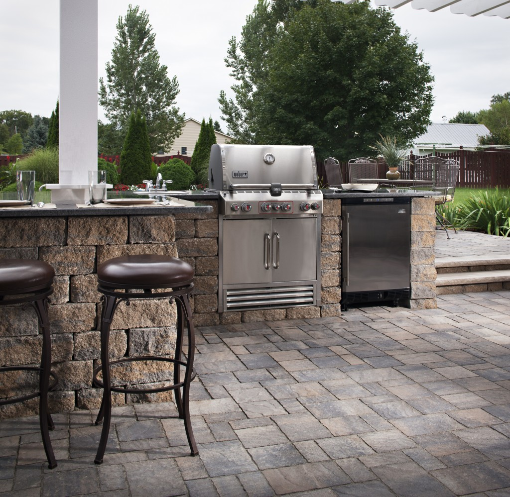 Outdoor kitchen cost ultimate pricing guide install it for Outdoor patio cooking area