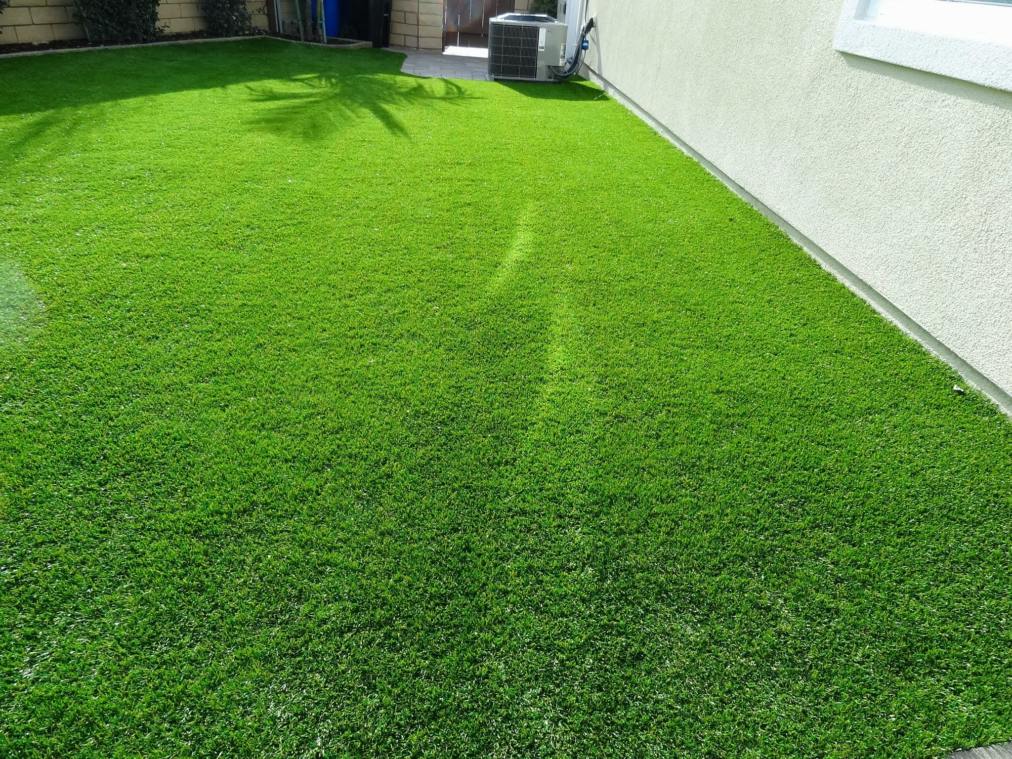 Artificial Grass Melting Burning Here S How To Fix It