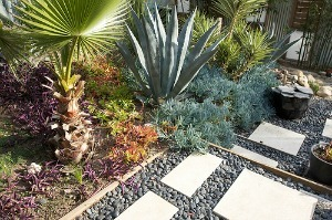 Using decorative gravel in landscapes