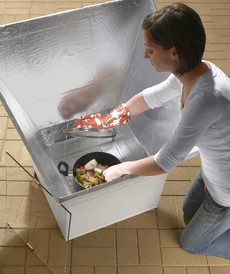 Backyard Solar Ovens for Eco-Friendly Outdoor Cooking