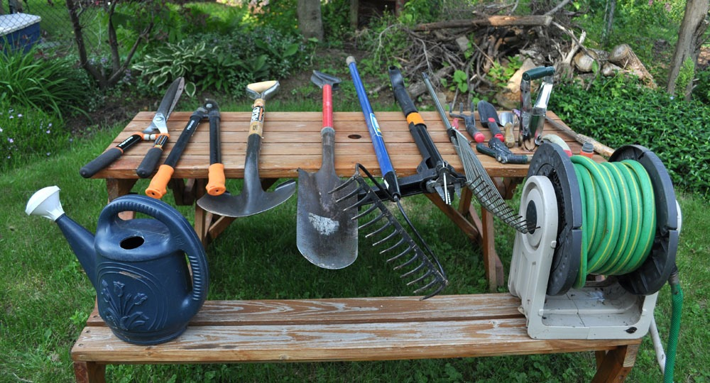 20 unusual gardening tips that work install it direct for The works garden tools