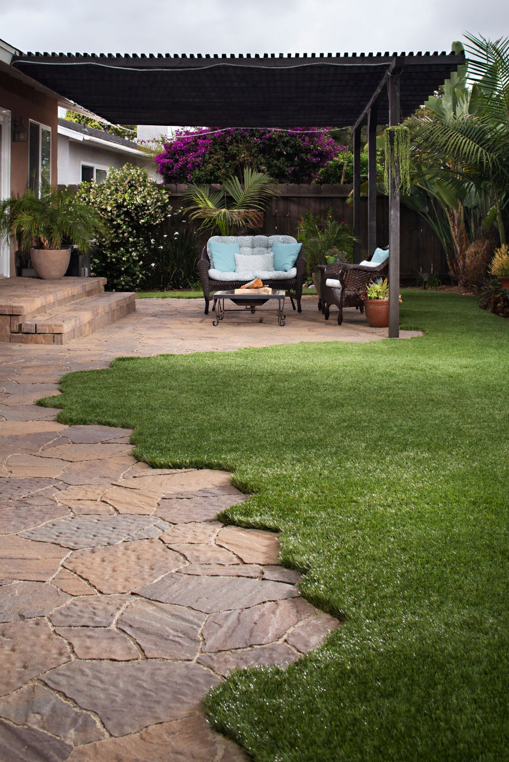 homeowners associations may soon allow artificial grass install