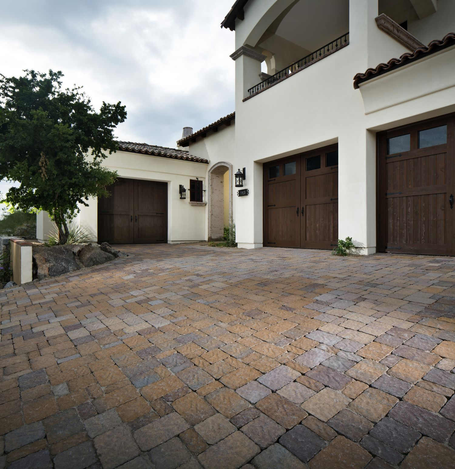 How to Remove Tire Marks from Concrete Paver Driveway Guide