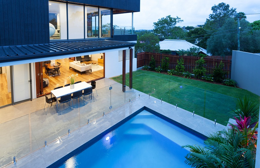 Contemporary fencing around a pool