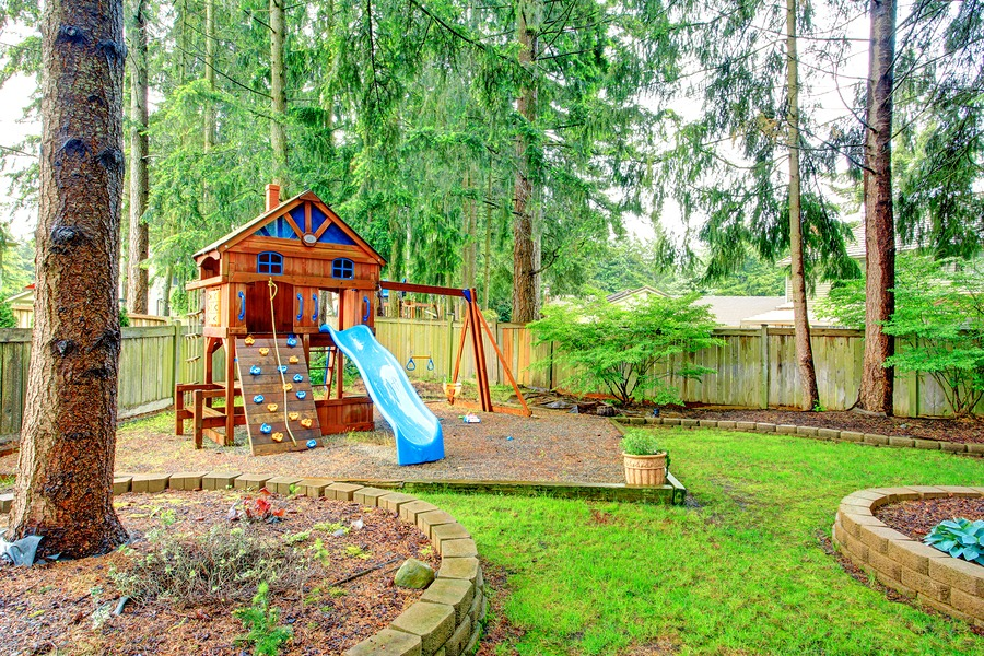 Pinterest landscape ideas home design idea for Small backyard ideas for kids