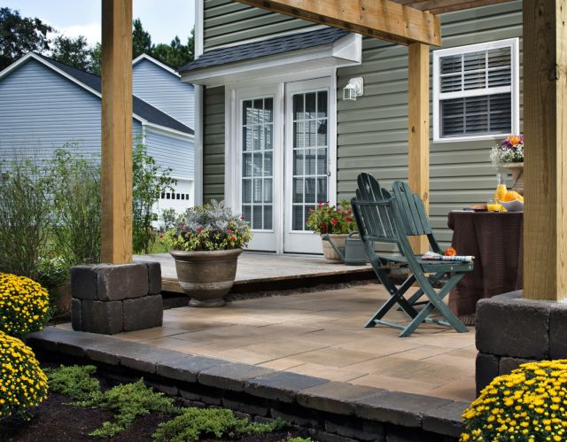 Attractive Outdoor Living Area