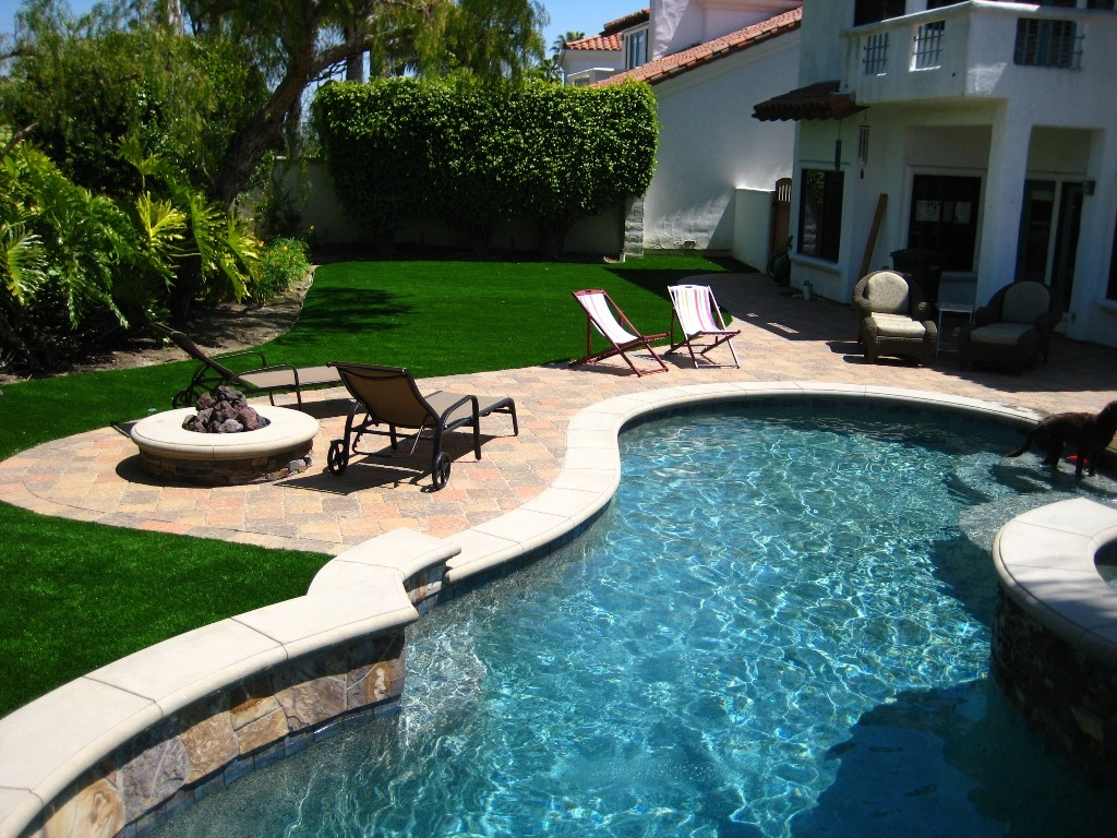Synthetic Grass And Paver Patio