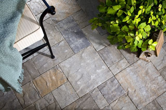Expand Hardscapes with Paving Stone Patios