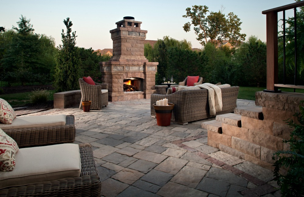 Modular outdoor living space design
