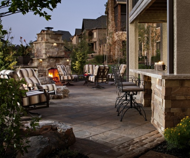 Prepare Outdoor Living Areas for Parties