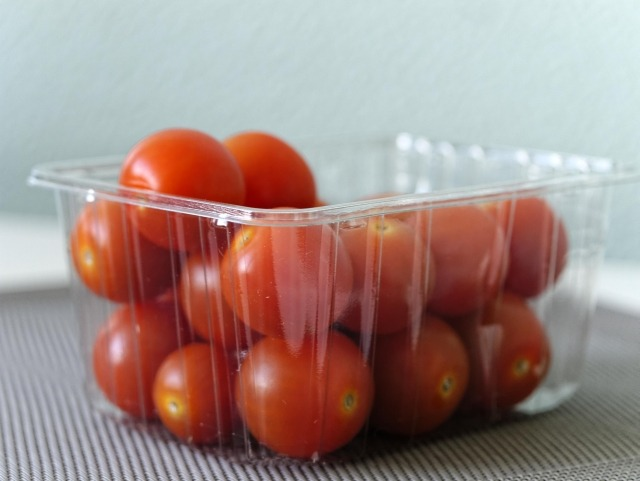 Remove Foods from Plastic Containers