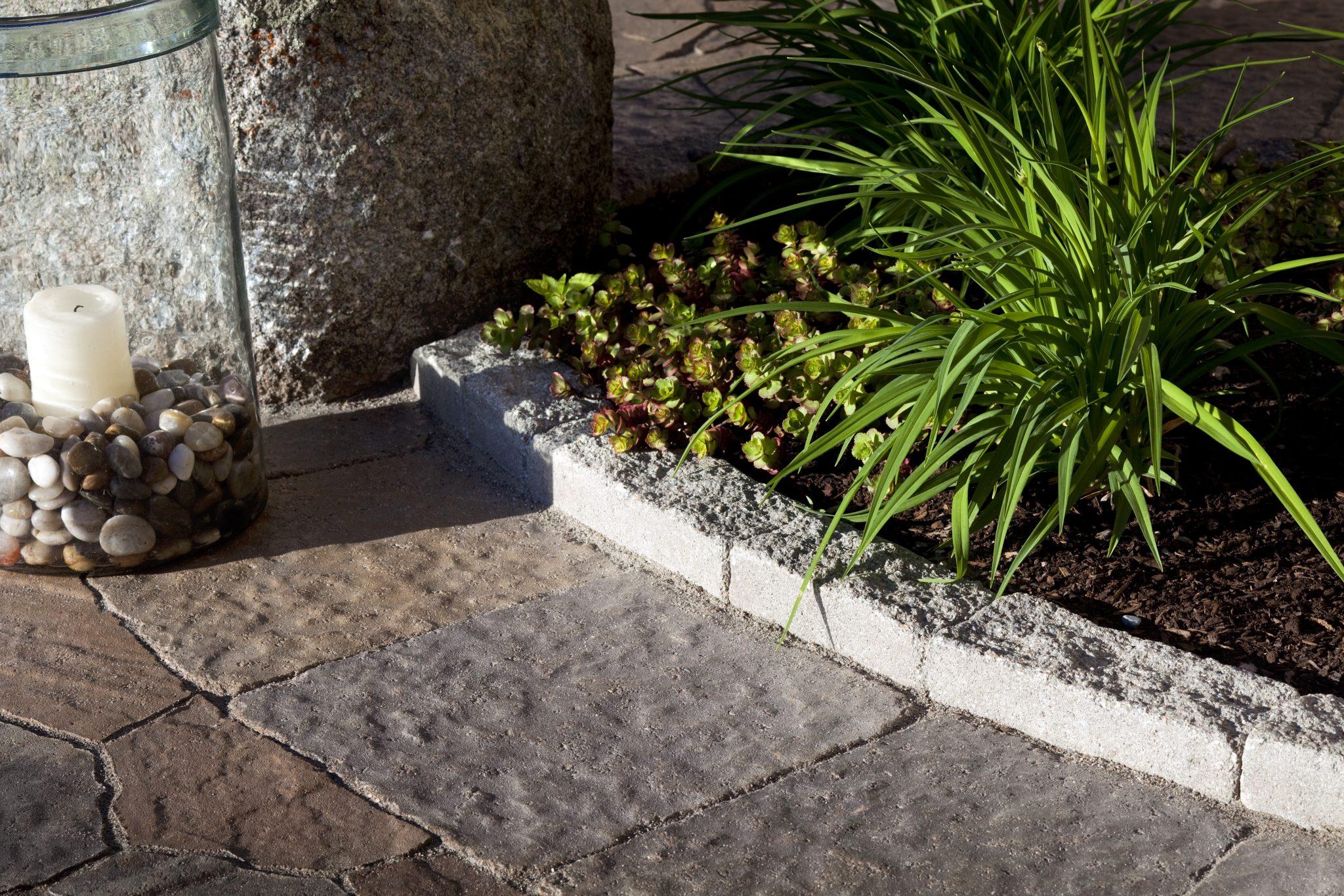 Tips for great landscape + garden edging.