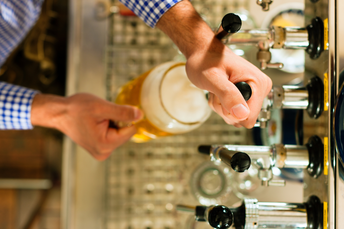 Outdoor Kitchen Design Ideas Beer Dispenser