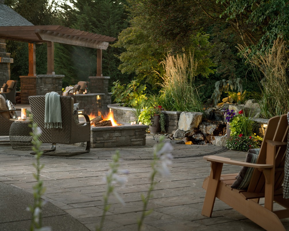 Outdoor living space ideas expand your living space tips for Outdoor living space designs