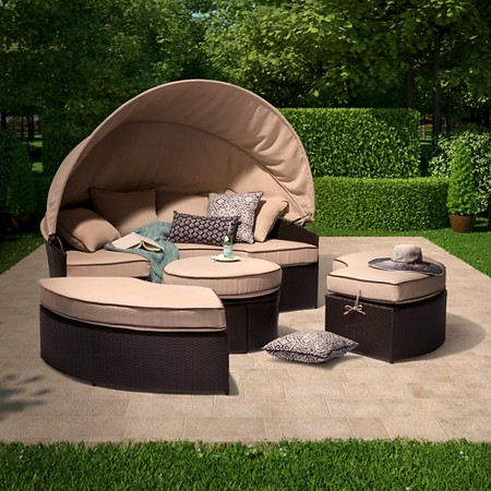 Target Daybed with Canopy
