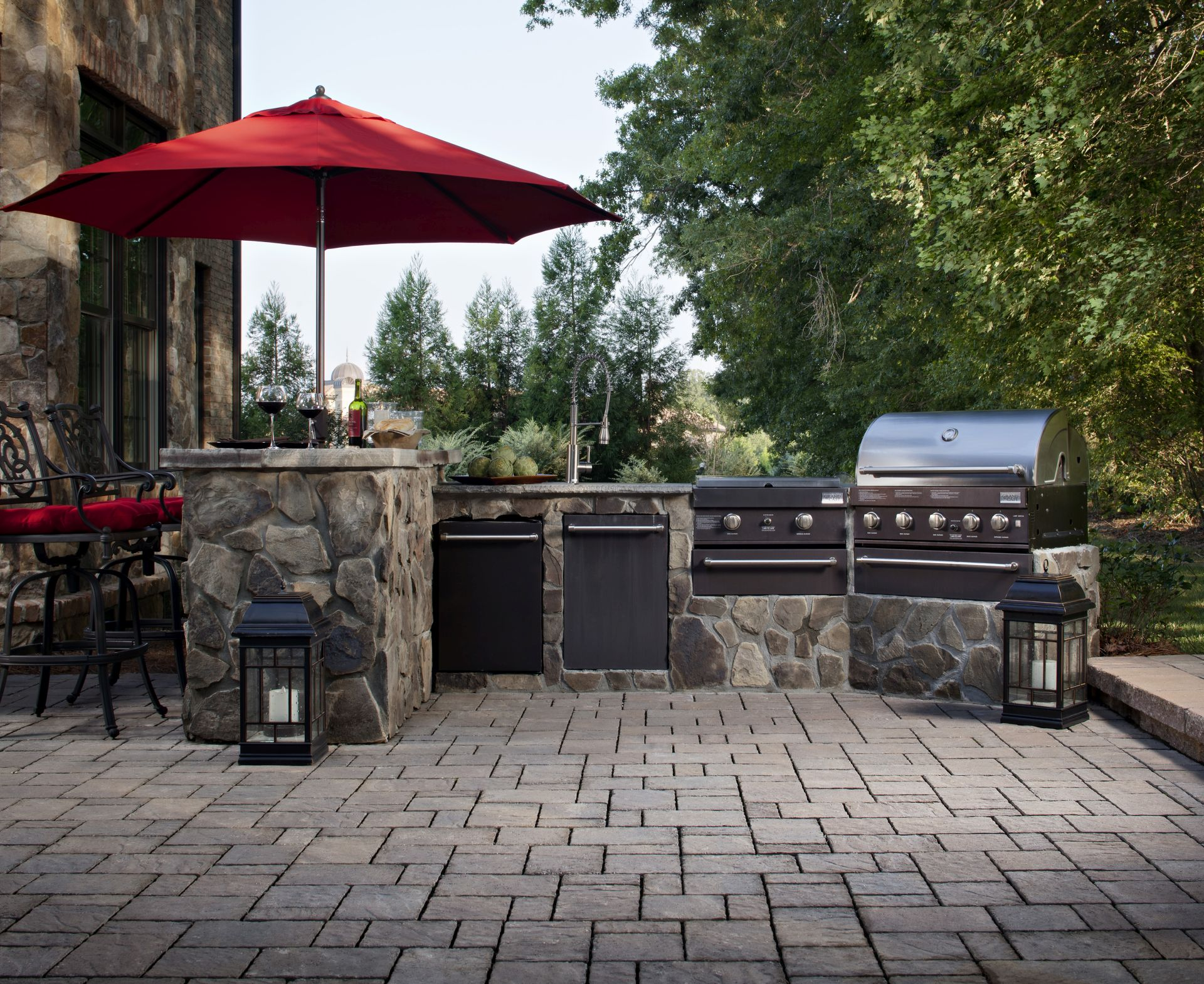 Paving Stone Patio With Outdoor Kitchen