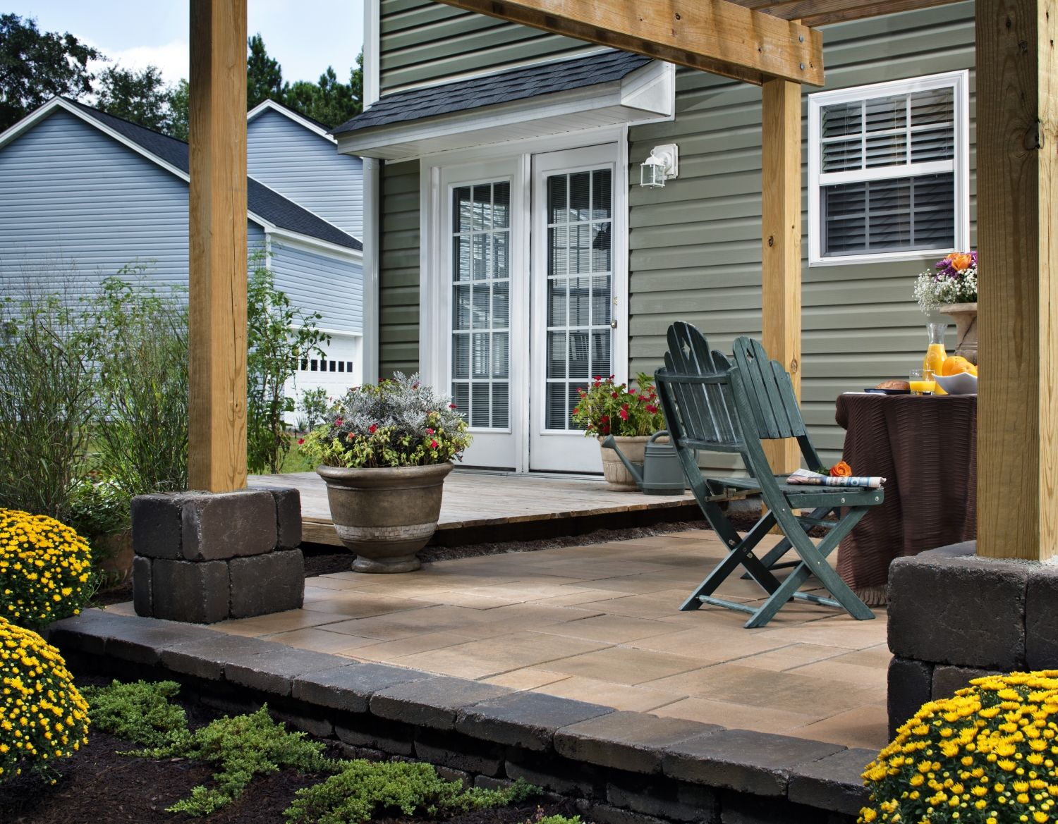 5 Last Minute Backyard Improvements Holiday Entertaining Install It Direct