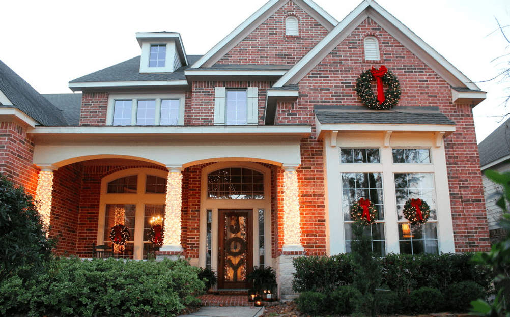 10 Outdoor Christmas Decorations: Inexpensive + Easy Ideas ...