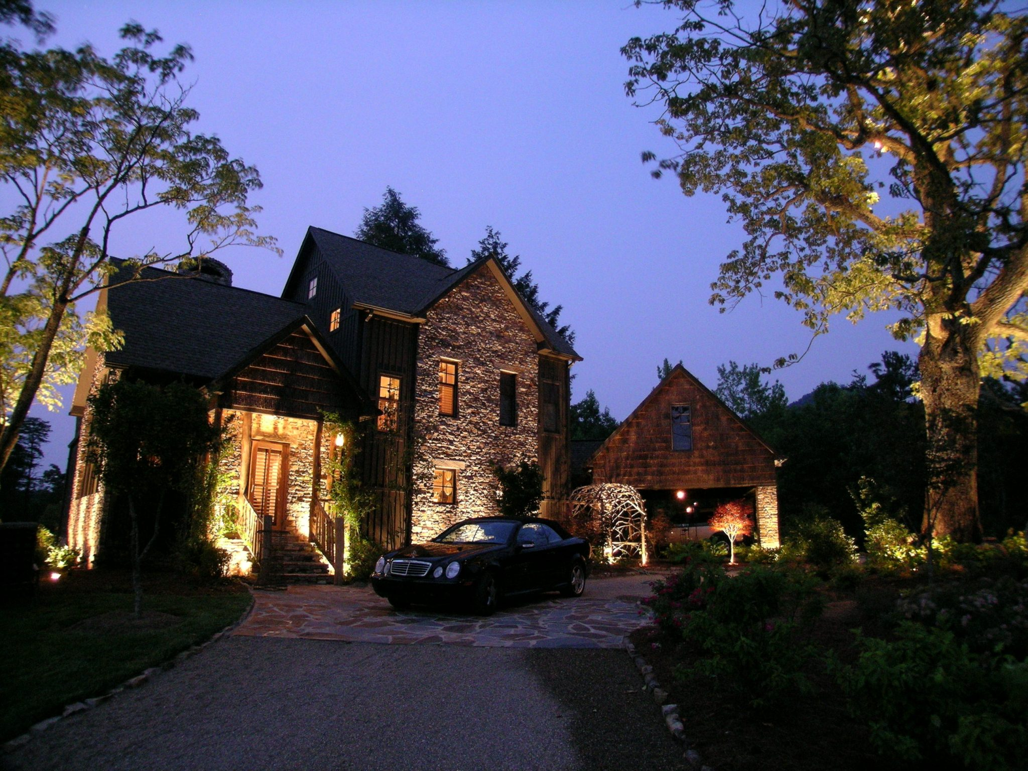 landscape lighting-curb appeal