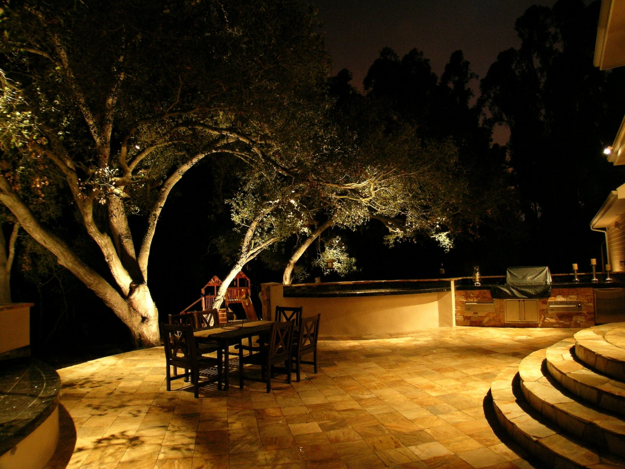 landscape lighting ideas for the fall
