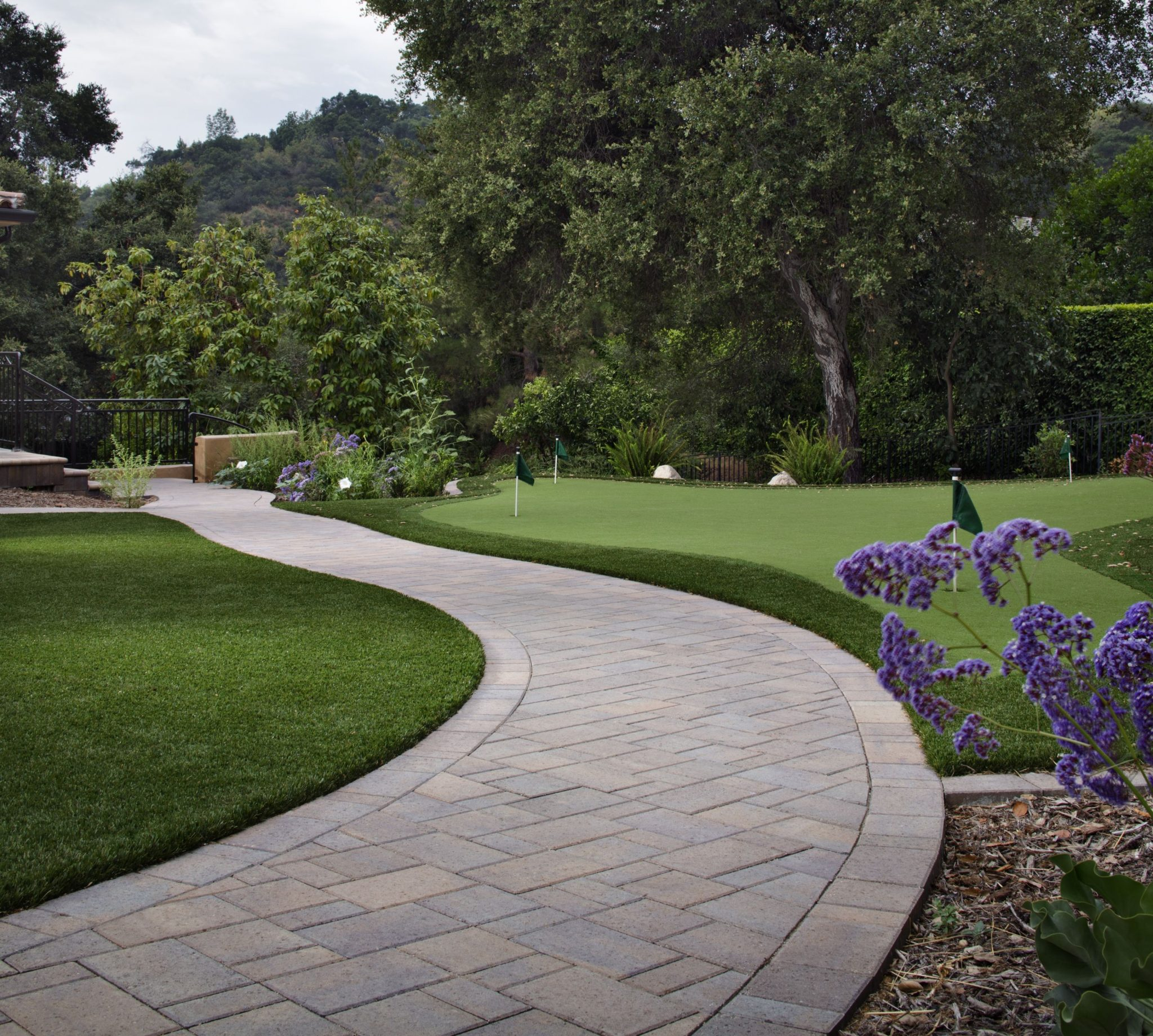 Landscape Edging Ideas for Artificial Grass Lawns