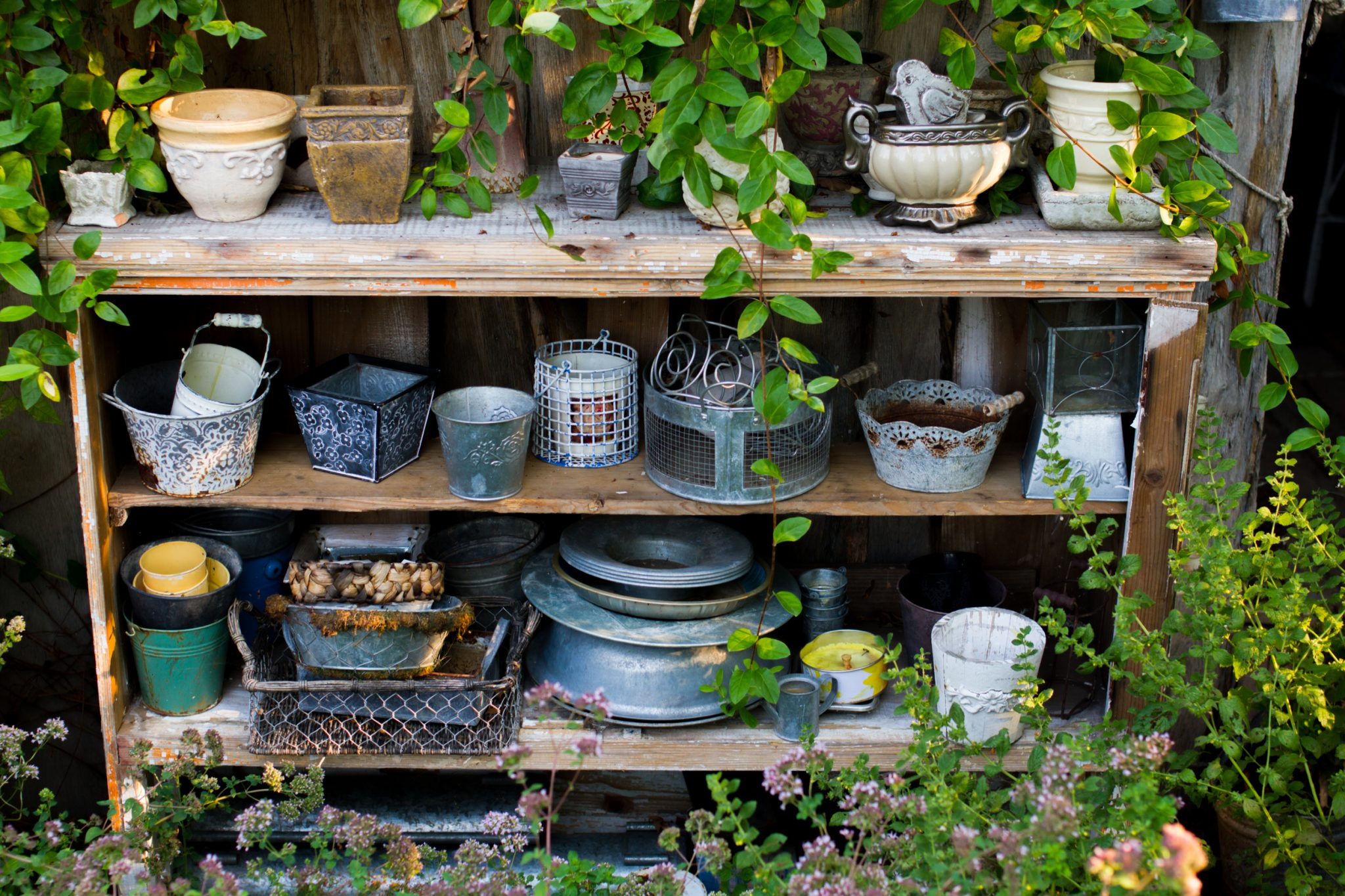 How to Repurpose Flowerpots and Planters