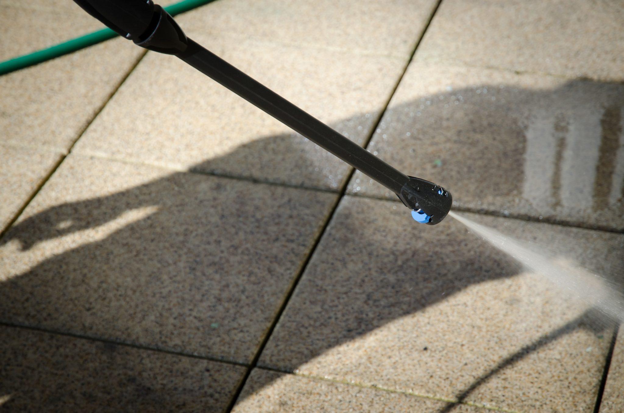 pressure washing concrete pavers