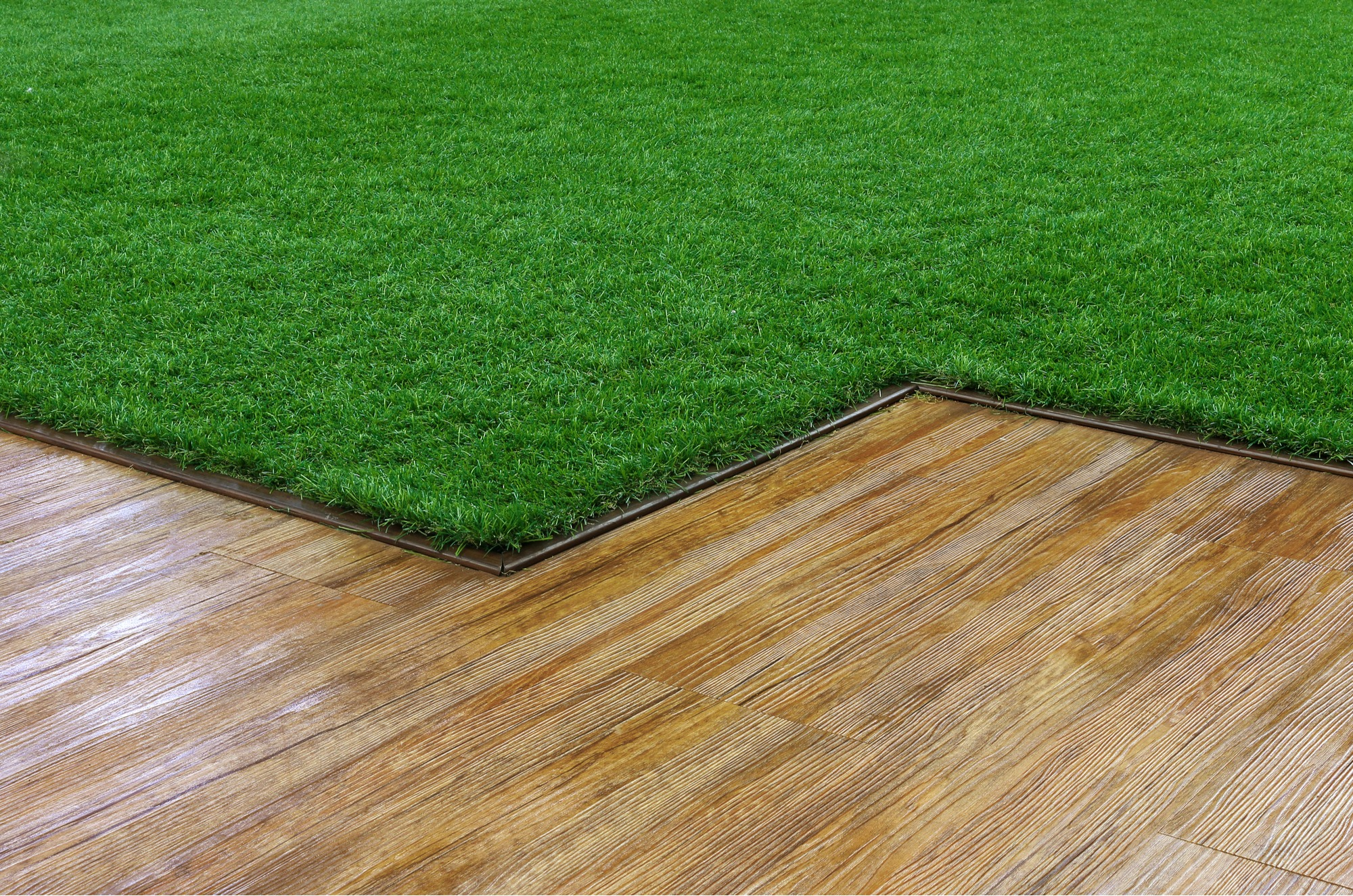 How to Prepare Your Artificial Turf Lawn for Winter