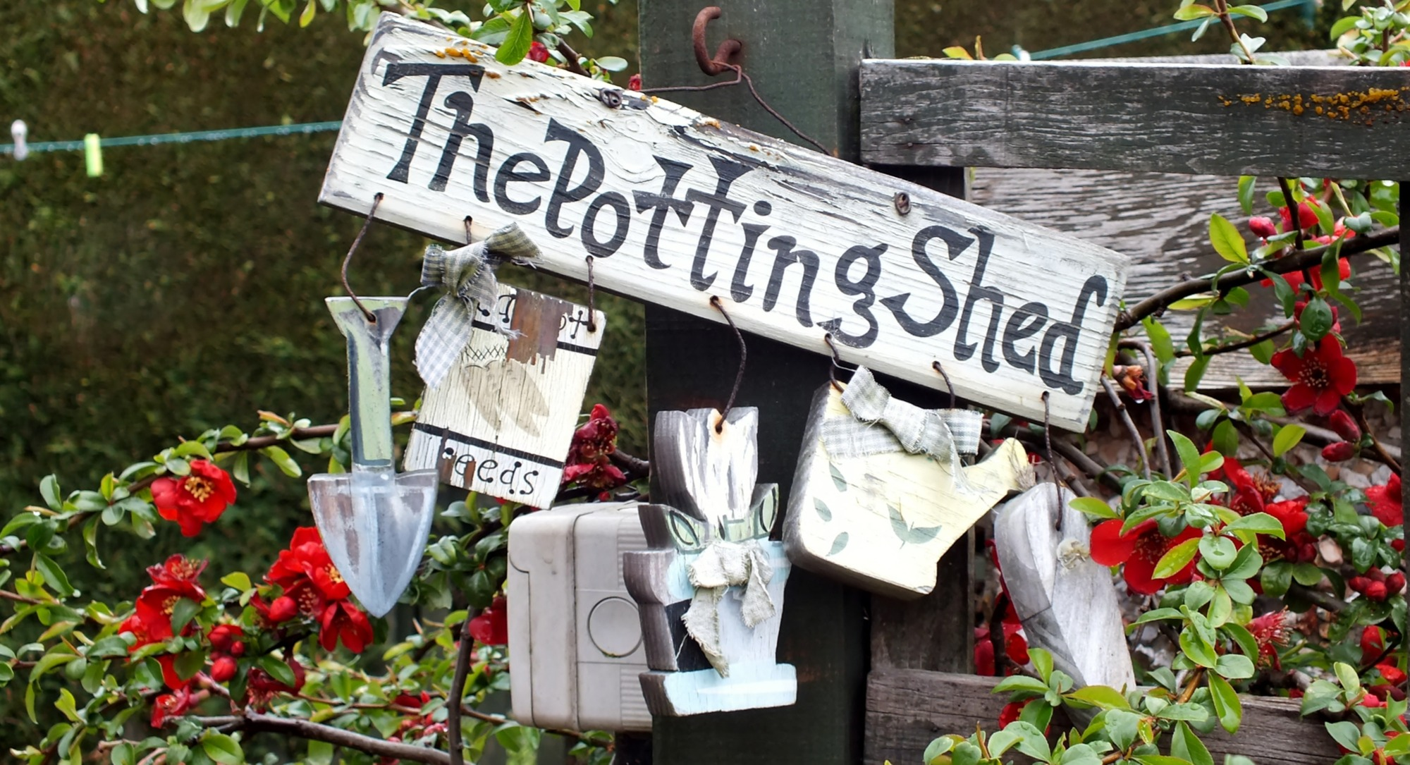 how to set up a potting bench