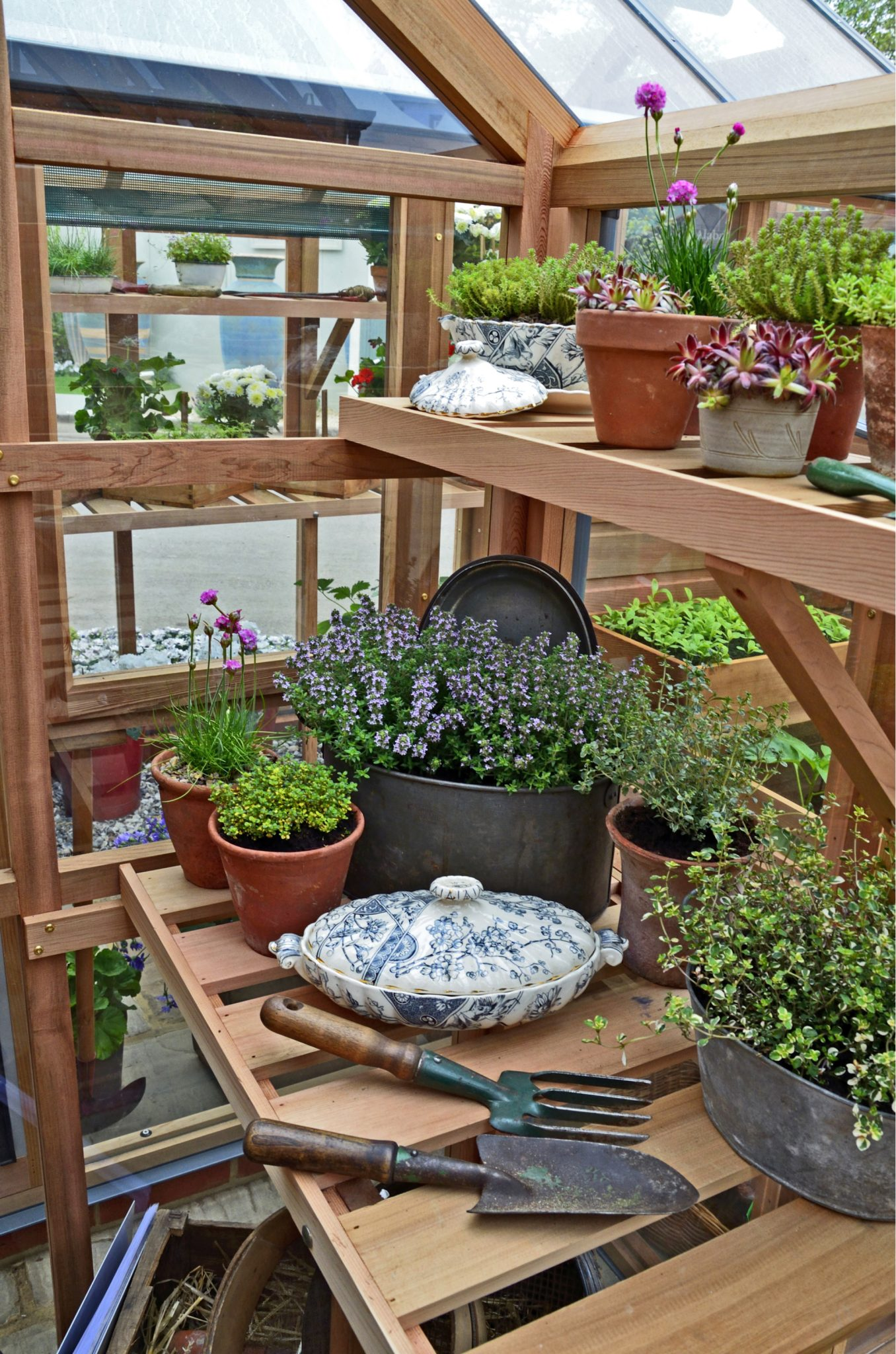 How to set up the perfect potting bench for backyard gardening potting bench gardening workwithnaturefo