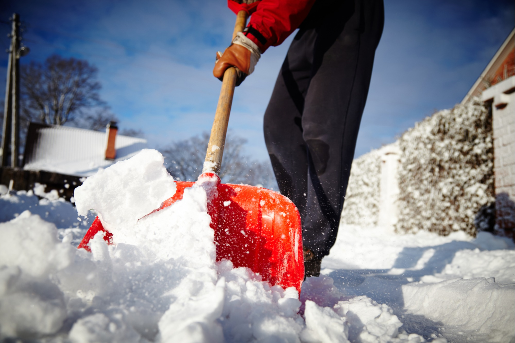 how-to-remove-ice-snow-from-pavers