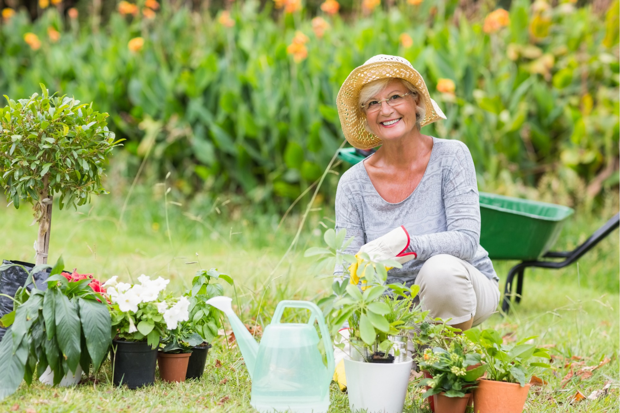 protect your skin from the sun while gardening