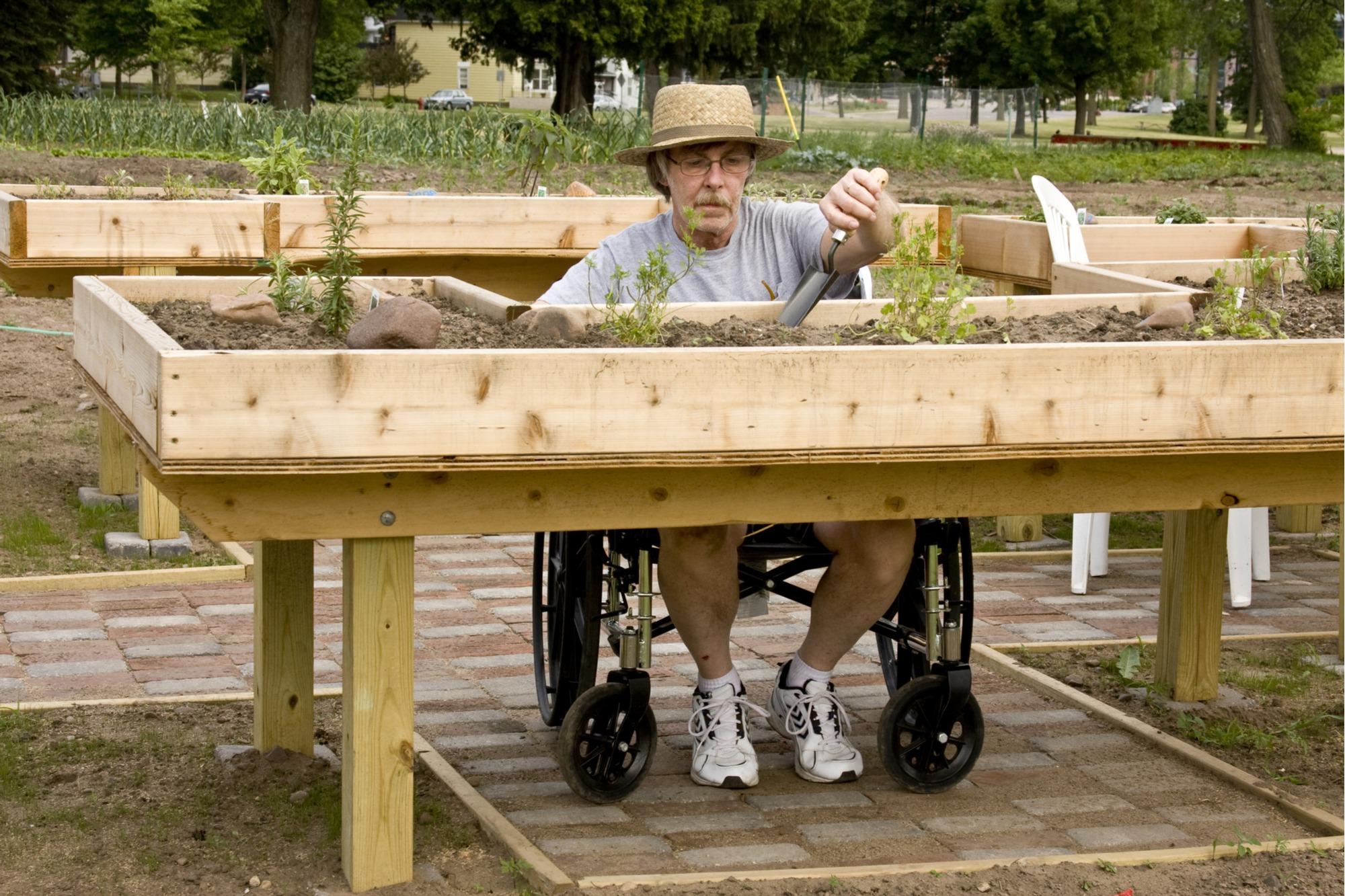 knee pain gardening