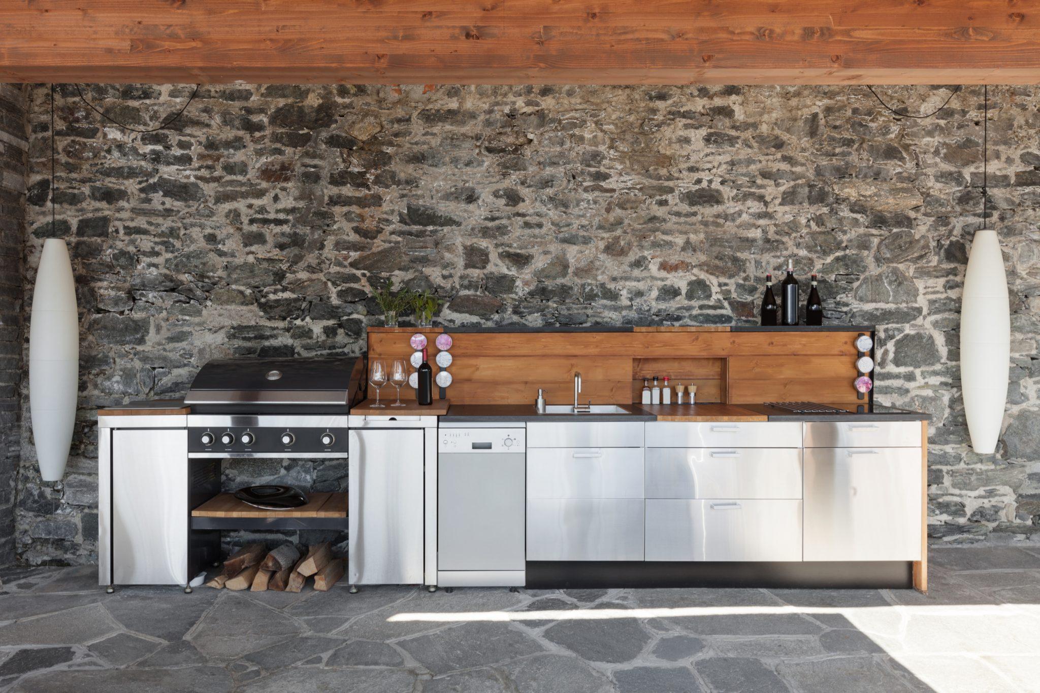 outdoor kitchen accessories