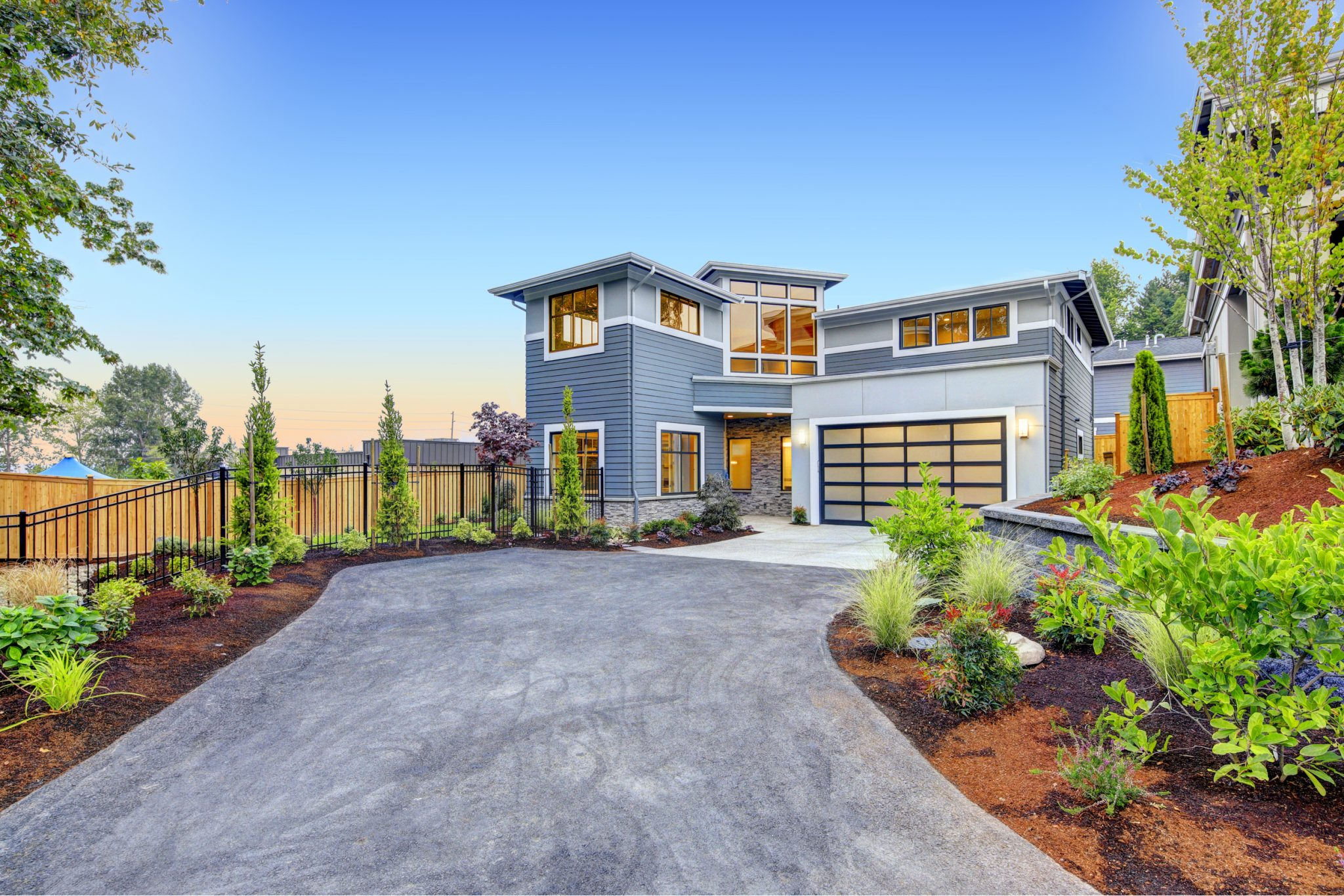 Driveway Designs for Modern Home Asphalt