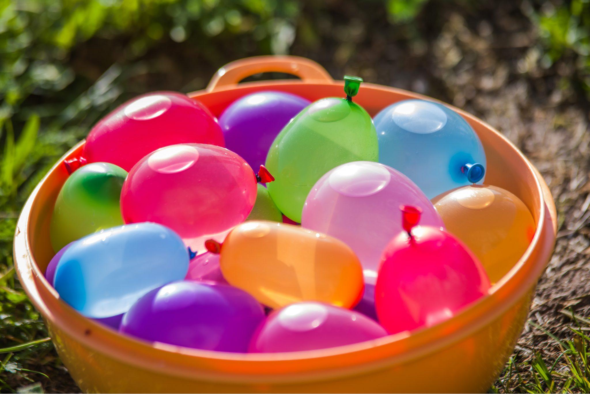 Fun Yard Games for Kids Water Balloon Toss